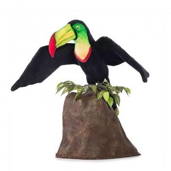 Tucano ali aperte